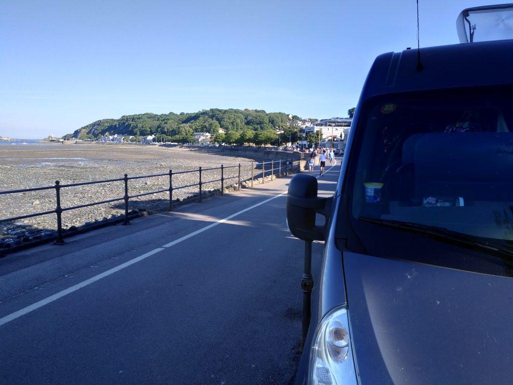 VanVerhalen reispodcast. Nederlandse podcast over fulltime camper reizen. Onze bus Rennie in Wales