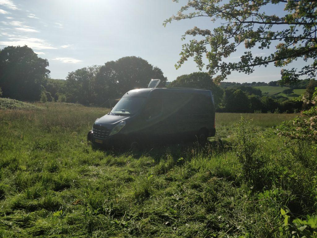 Campervan Rennie op Engels veld